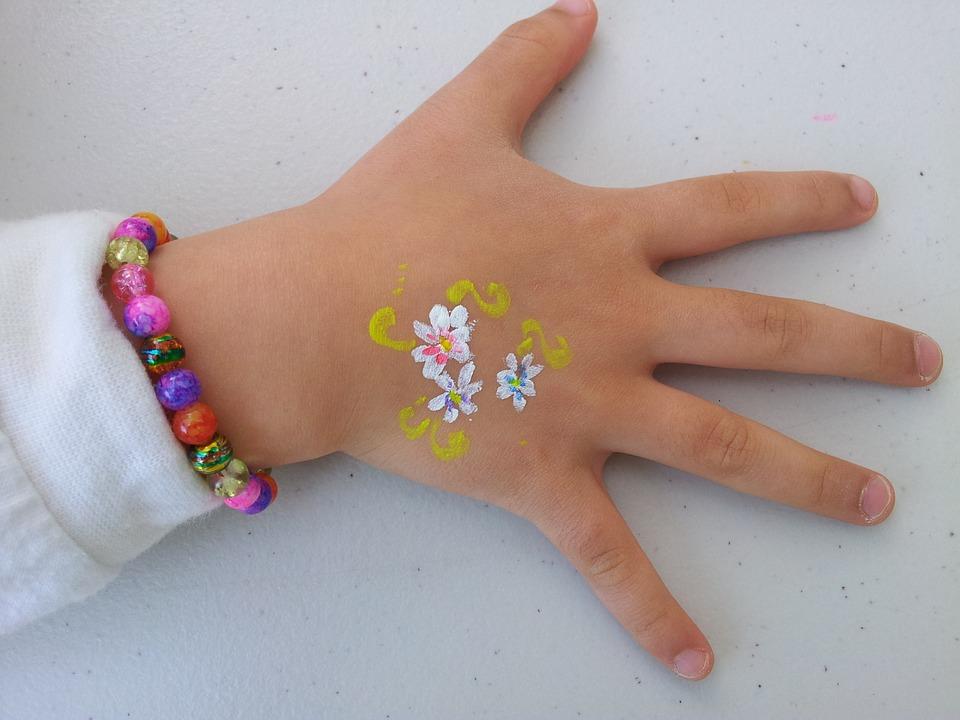 schmink-hand-kind-zelf